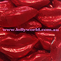 chocolate lips red